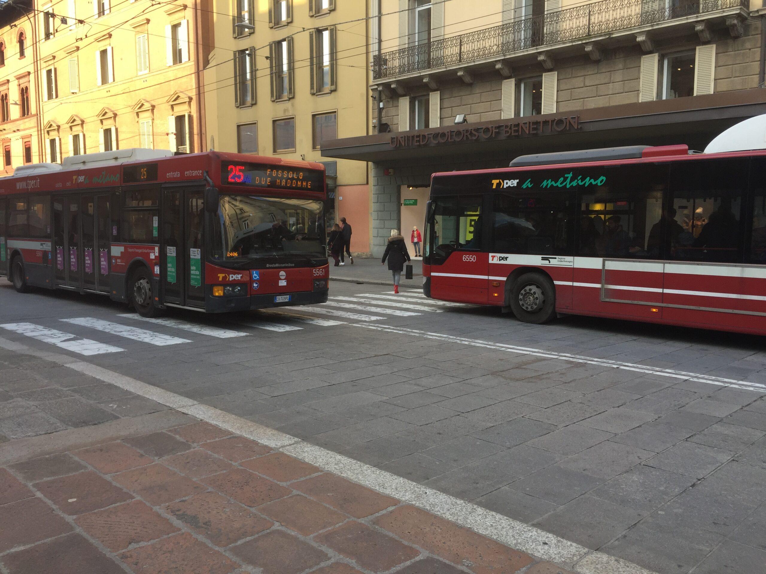 Bologna, da lunedì 18 Maggio più bus nelle ore di punta sulle principali linee urbane