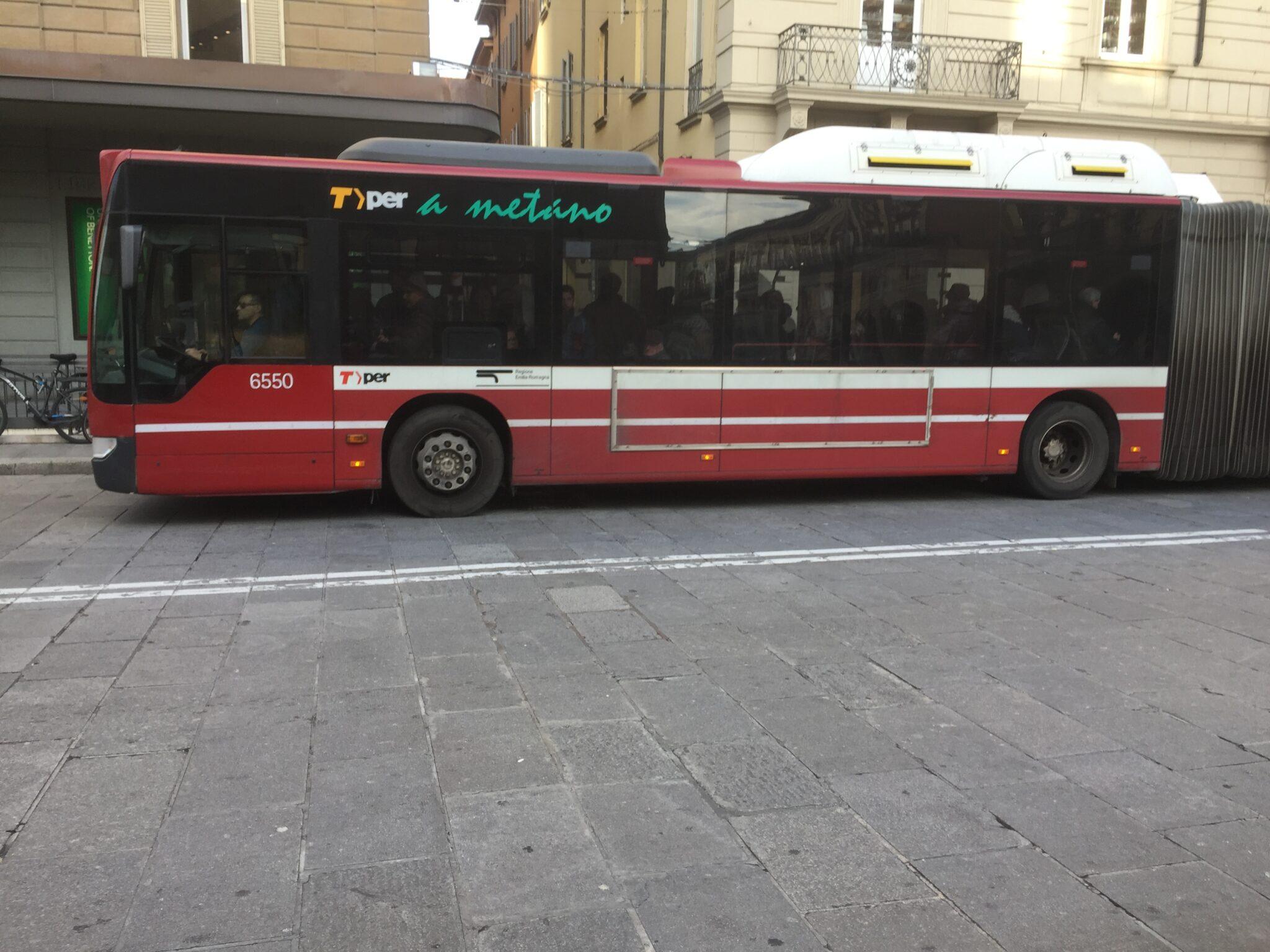 Coronavirus, nuove riduzioni per treni e bus in Emilia-Romagna dal 18 al 25 marzo