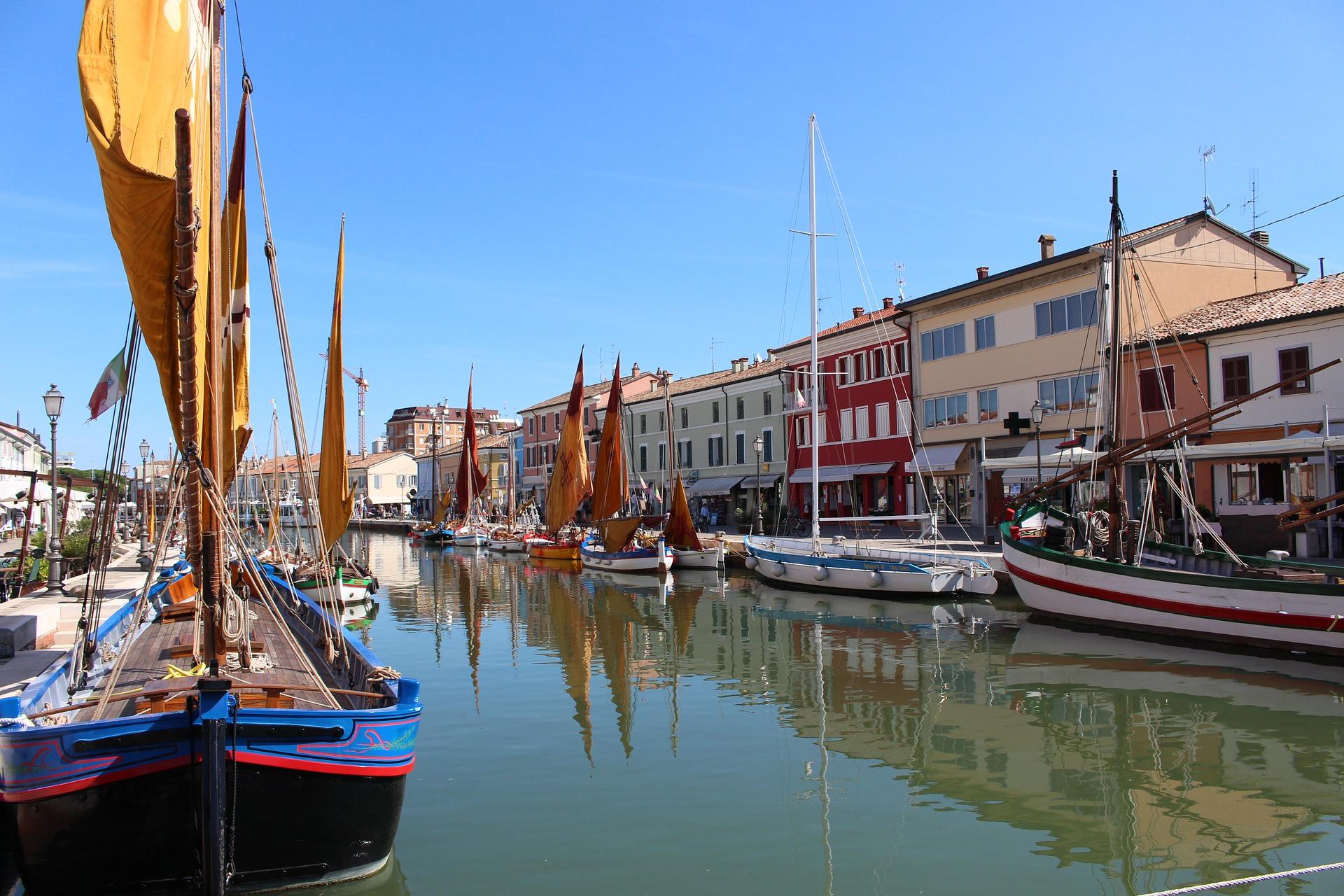Regione Emilia Romagna: le strategie e le linee guida per far ripartire spiagge, alberghi, commercio e pubblici esercizi