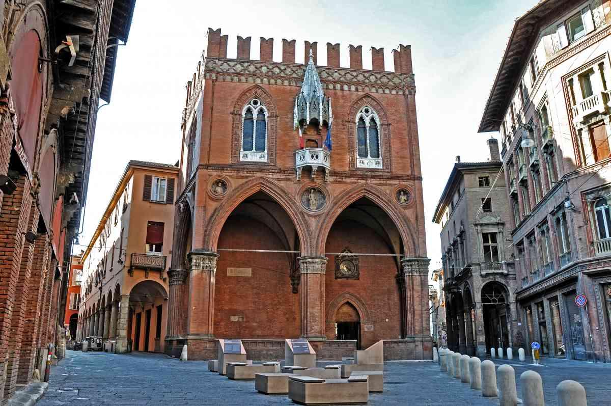 Il conto della pandemia sul 2020: a Bologna prevista una perdita di 3,5 miliardi di euro