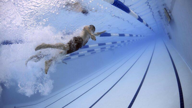 Emilia Romagna, da lunedì 25 maggio riaprono piscine e palestre: ecco i nuovi protocolli operativi
