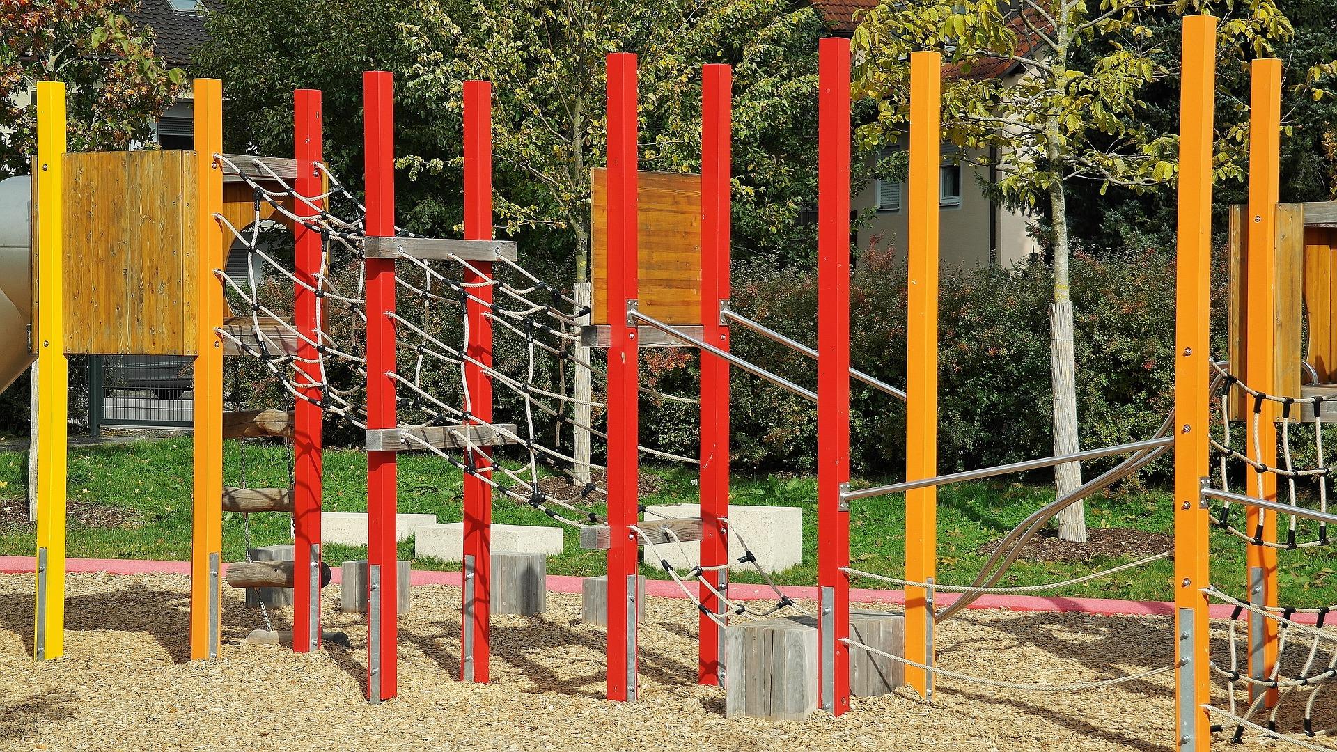 Coronavirus, il Sindaco di Bologna vieta l'uso delle aree giochi nei parchi e nei giardini pubblici