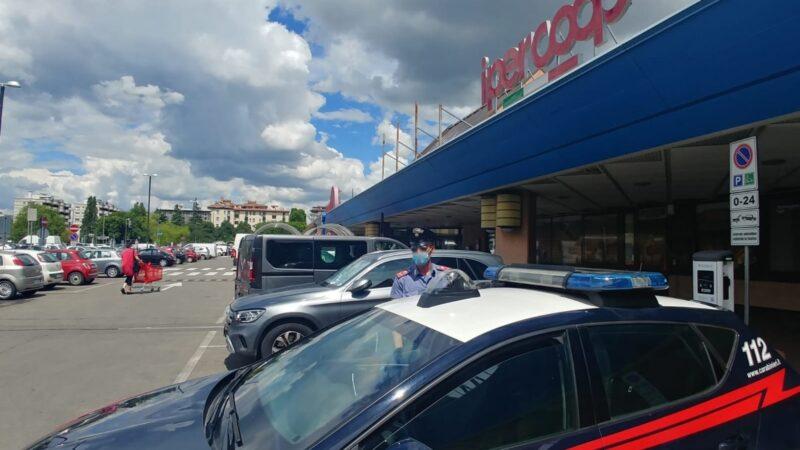 Ruba merce per 350€ in un Centro Commerciale: arrestato un 36enne dai Carabinieri