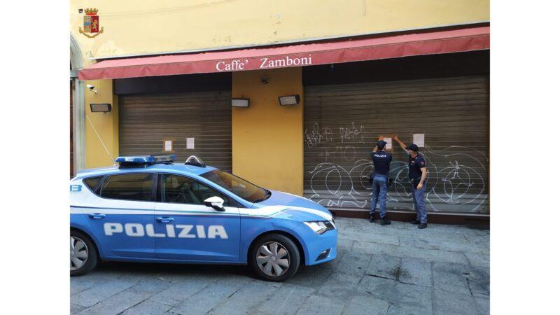 Bologna, vendita di alcol a minorenni senza nessun controllo: chiuso il Caffè Zamboni
