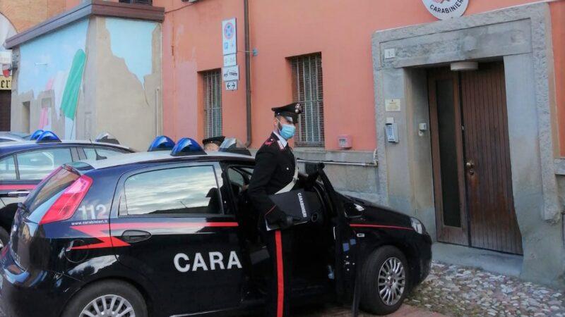 Truffa una donna anziana vendendole una poltrona vibrante: denunciato un 50enne dai Carabinieri