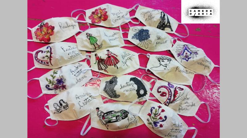 """""""Metti la mascherina e stacci dentro"""": la campagna per sensibilizzare i giovani all'uso della mascherina"""