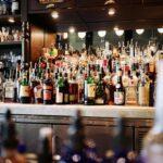 Bologna, stop alla vendita di bevande alcoliche dopo le 18 in tutta la città